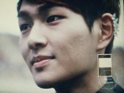 kinkii-jinki:  I can't get over the fact that Dubu is more handsome in person. Like how the hell is that even possible?