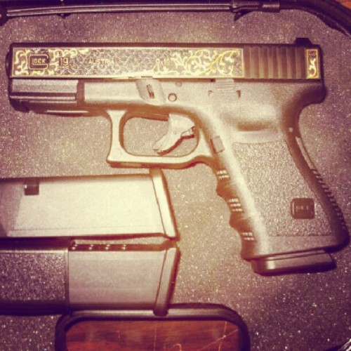 #black&gold #glock19 #bigsmile (at Firearm Licensing Authority)