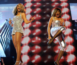 eternallybeautifullyblack:  Is that Beyonce putting it down with Tina Turner like that? extplay:  some pics just make me happy.
