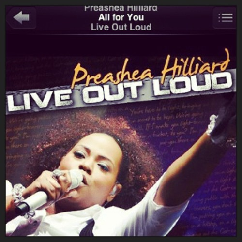 Jam of the day !! #jammin #lovethissong #praiseteam #love #christianmusic #churchflow #followme #singer #loveGOD #takealliam #itsallforyou #instafollow #photooftheday #blessed