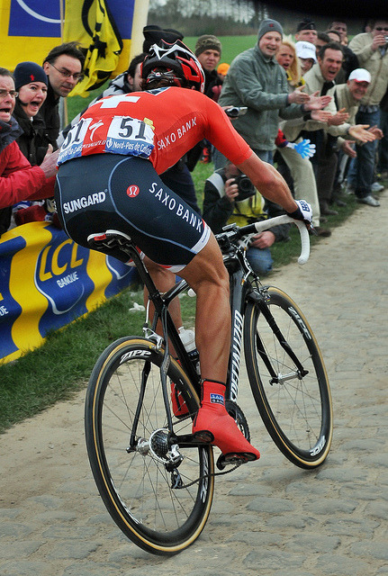 Cancellara steaming ahead on Carrefour de l'Arbre by Bob-A-Fat on Flickr.