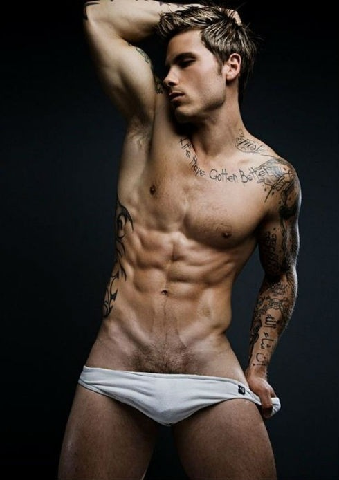 Tattooed hottie Richard Rocco makes his DNA debut in these shots by Rick Day. CLICK HERE to see more photos: http://www.dnamagazine.com.au/articles/news.asp?news_id=19272