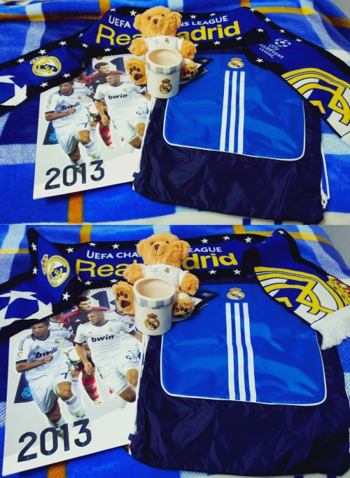 megustaelfutbol:  Real Madrid Giveaway #2 2013 calendar Adidas drawstring gym bag Scarf mug UCL teddy bear UCL scarf All the items are official products purchased from the club shop.   Rules:   Current followers only (as of December 27, 2012 9 AM CET | 3 AM ET) Reblog = entry (only 1 per follower) Deadline: January 1, 2013 5 PM CET | 11 AM ET  The winner is chosen just like in the previous giveaway. Check the FAQ for more info.
