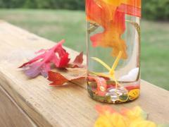 (via Fall Sensory Jar) Pretty Autumn decorations.  Fun to make, too.
