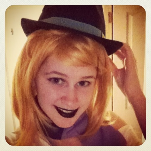 Look Janey I have a cool detective hat too! ;) #heylookmycosplay