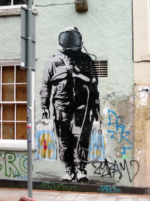 jamesmathurinstreetart:  I'm pretty sure this was confirmed as a Banksy