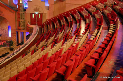 The Grand Rex Art Deco Cinema in Paris http://bit.ly/12SSsiq