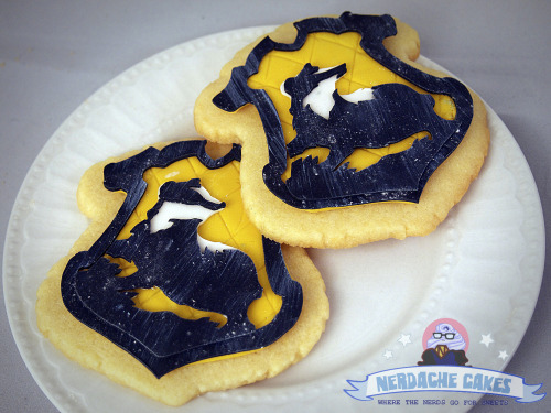 nerdachecakes:  Hufflepuff House Cookies An order from last week- a few months ago I made some jumbo Slytherin house cookies so these were in the same style. Just need to make Ravenclaw and Gryffindor now! Facebook / www.nerdachecakes.com