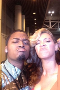 "hellyeahbeyonceknowlescarter:  Caption:  ""Friend met Beyonce in New Orleans, she said ""Whatever face you make, I'll make."""