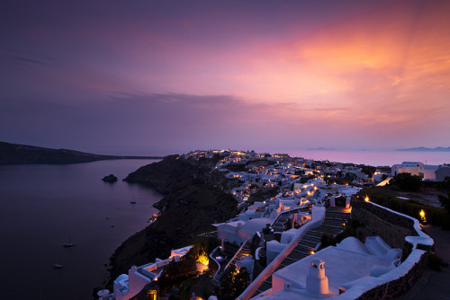 senerii:  Santorini Oia V3 by songallery on Flickr.