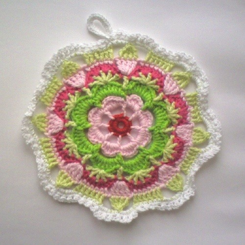 Multifärgad grytlapp! by TM - the crocheteer! on Flickr … also known as … a gorgeous crocheted mandala!!  :)