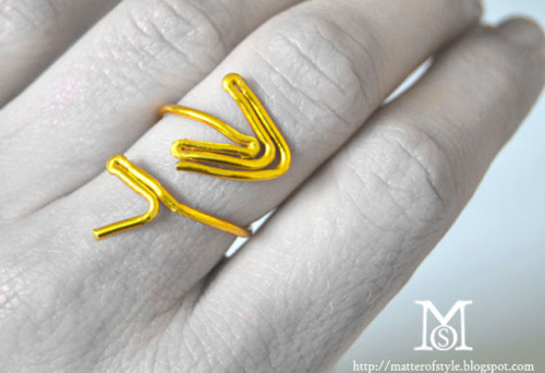 DIY Wire Cupid's Arrow Valentines Day Ring Tutorial from A Matter of Style here. For more wire jewelry DIYs go here:http://truebluemeandyou.tumblr.com/tagged/wire