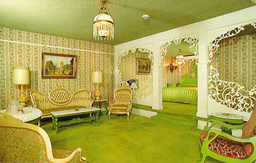 kitschyliving:  Madonna Inn - Room 149