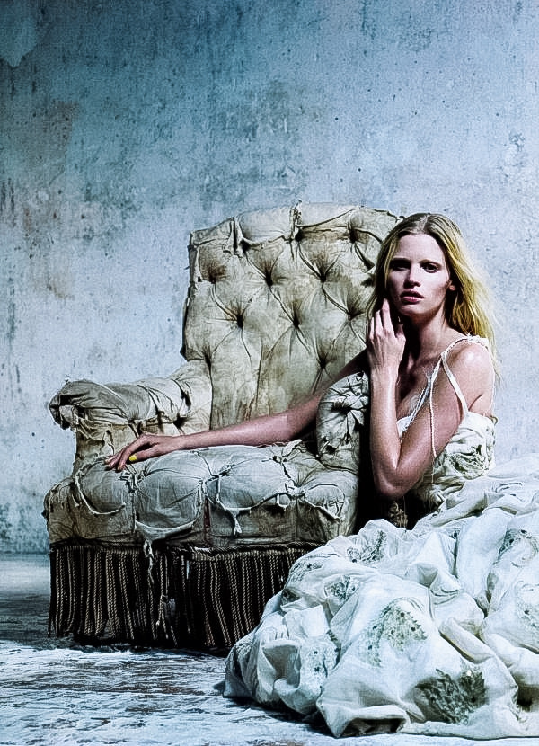 strangelycompelling:  Model - Lara Stone Photography - Willy Vanderperre Publication - Vogue China, december 2010 SC | SC on Facebook