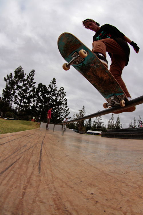 astallation-creations:  Front blunt slide
