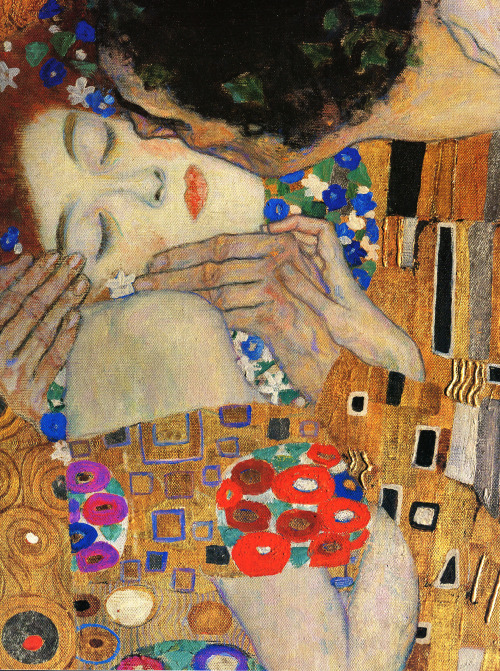 c0ssette:  Gustav Klimt,The Kiss (detail) 1907-08.