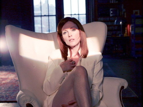 bohemea:  Julianne Moore by Kurt Iswarienko