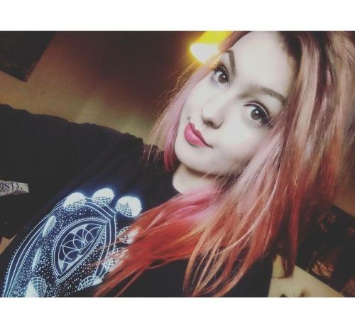 selfie girl me girls altgirls altgirl alternative pink pink hair loreal colorista loreal colorista hairdye hair dye grunge soft grunge pale grunge pale smile my face happy handm