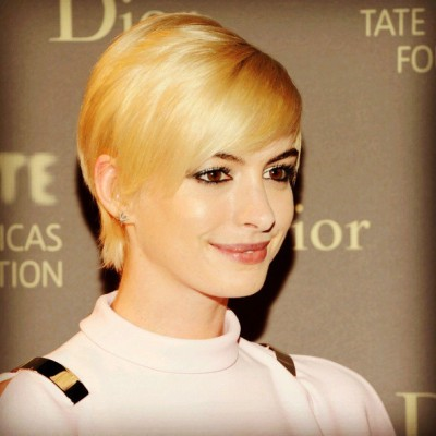 Anne!!!!!! Became blond gal!!!!!  Gorgeous!!!!!!!!!! #annehathaway #gorgeous #stunning #beautiful #hot #blond #shorthair #vs #style #fashionidol #fashionista #shoutout #photooftheday #instagood