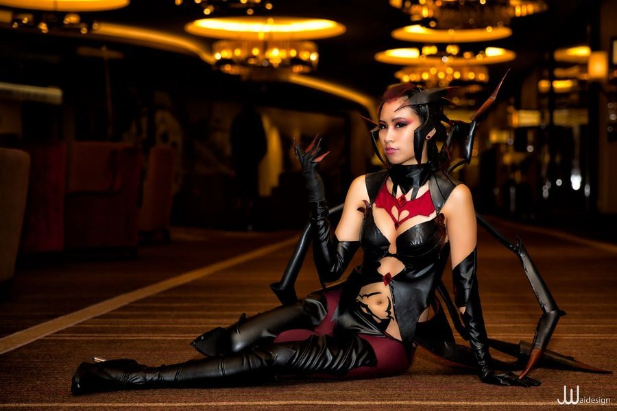 theriotleague:  Elise the Spider Queen by ~Kiwiibuns