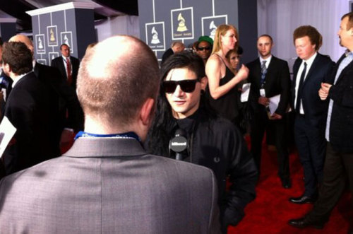 We're LIVE on the Grammys red carpet! Watch from our Google Hangout here: http://blbrd.co/123Nqmc