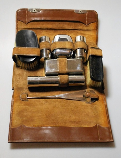 melancholiceuphoria:  Vintage/Antique 1920s Mens Grooming Set in Leather Case