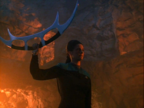 for-cardassia:  startrekdata:  Talk about girl power  Dax has all of the power!  This one of the reasons why I <3 JadziaDax.