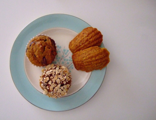 vintagefoods:  whole wheat pumpkin muffins (by chickadee nest {martha})
