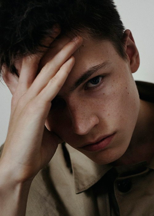 strangeforeignbeauty:  Jonas Kloch [ fave models | 1000+ notes | facebook | twitter ]  This man is simply delightful to look at.