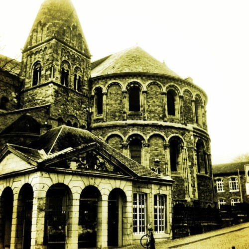 #maastricht #buildings #churches #architecture  (at Graanmarkt)