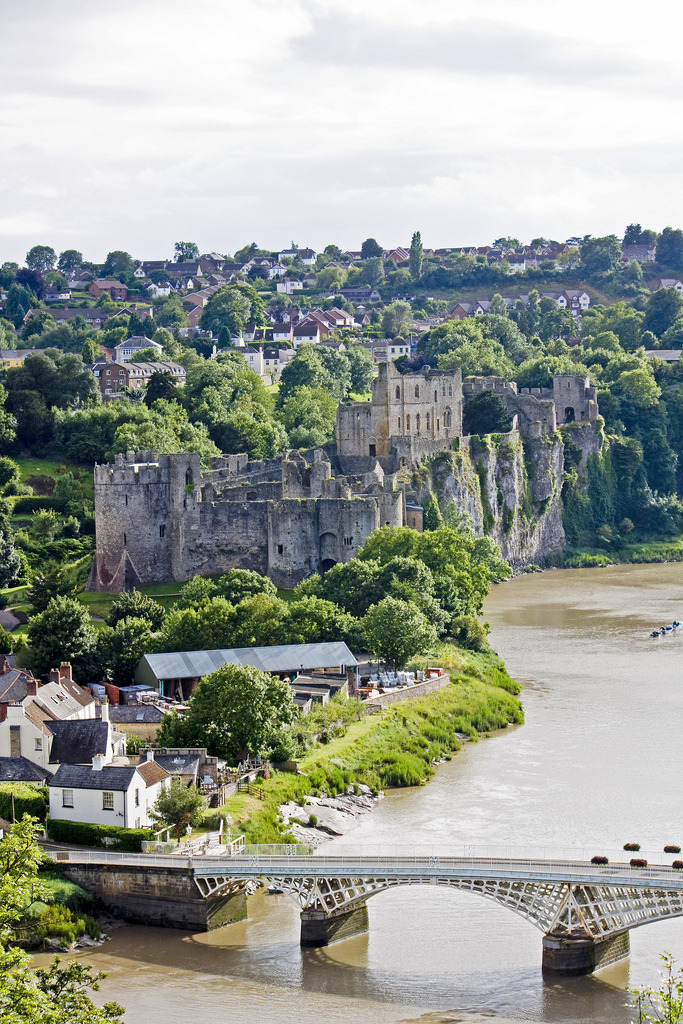 travelingcolors:  Chepstow Castle | Wales (by Jelle Drok)