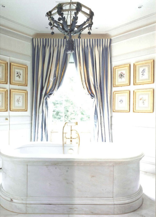 mylittledreamhome:  Luxury soaking tun.