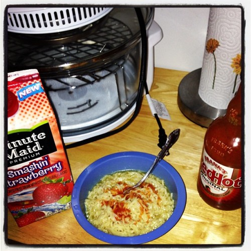Hot sauce all in our top ramen Ya bi$h!!!✔💯👍🍲🍜