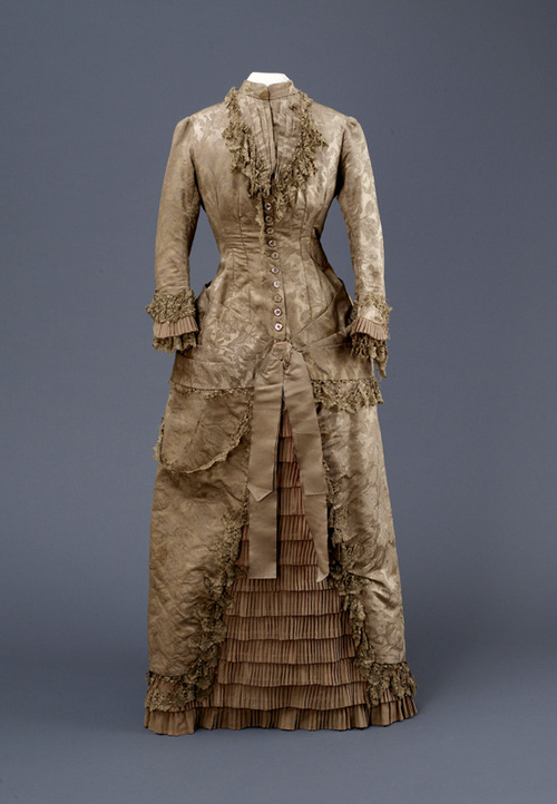 Dress, 1880-82 From the Hull Museums