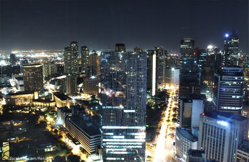 Makati Penthouse View  Photo by: Renaldjlv ©2013