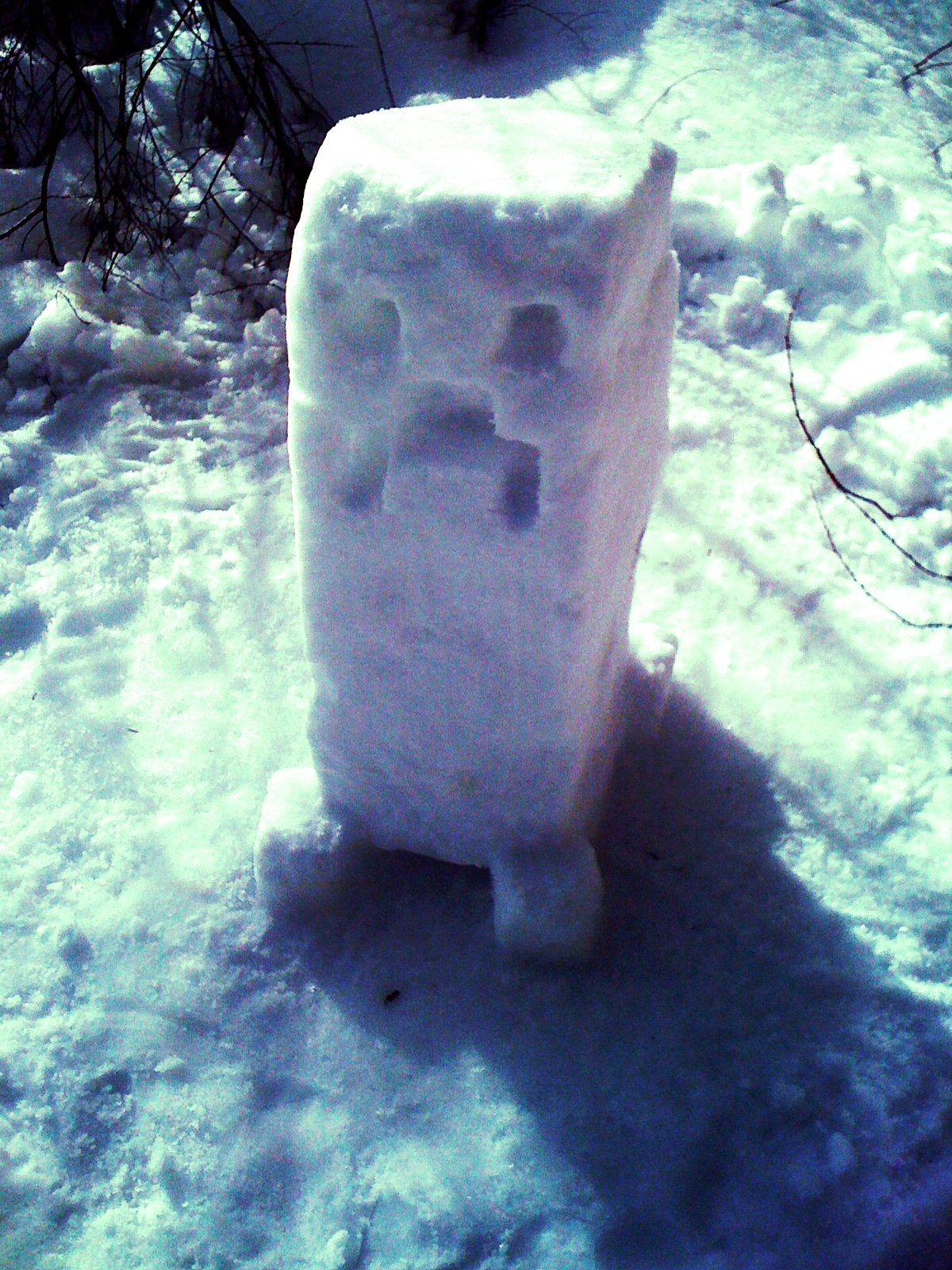 creeper-joe:  Creeper the Snowman was a jolly, happy… BOOM! (x-post from /r/pics)  wonderful minecraft  CREEPER!