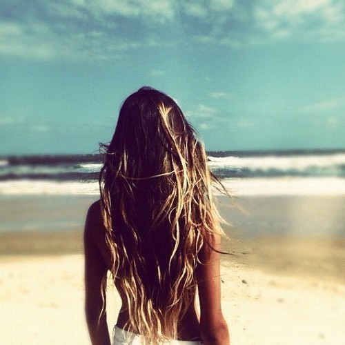 one-look-claimed-my-heart:  c-a-l-i-sunshine:  summerlove-oceanwaves  ∞ I am a summer/beach blog that is following back similar blogs! ∞   .