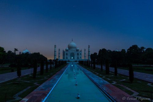 Taj Mahal at midnight (by Cornel Popescu)
