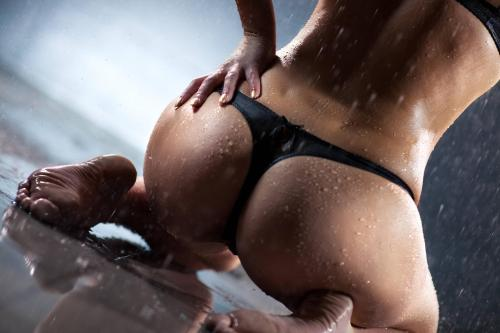 She is wet for you! #thong #ass
