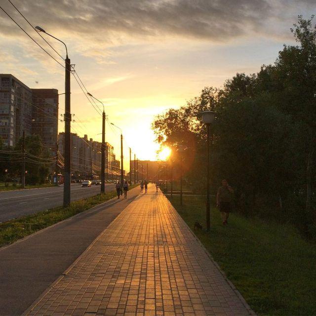 Когда закат ласкает глаза, особенно левый. _____ #назакате #солнценебо #солнценебооблака #мещерскоеозеро #вечер #нновгород #ннов  (at Мещерское озеро) https://www.instagram.com/p/CQLK3Kvtklm/?utm_medium=tumblr #назакате#солнценебо#солнценебооблака#мещерскоеозеро#вечер#нновгород#ннов