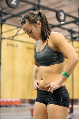theathleticbuild:  (via CrossFit Athlete Camille Leblanc Bazinet Talks With TheAthleticBuild.com)