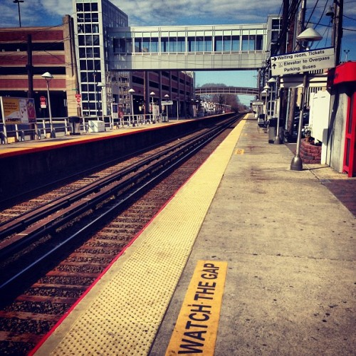 At the train station #lirr #trainstation #train #watchthegap  (at Track 2B)