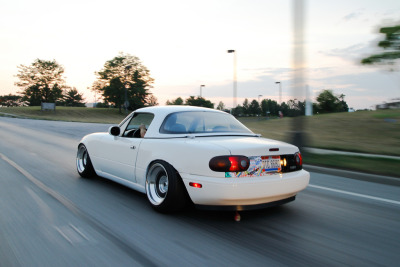 carpr0n:  Sugar rush Starring: '95 Mazda Miata (by AJ Gottron)