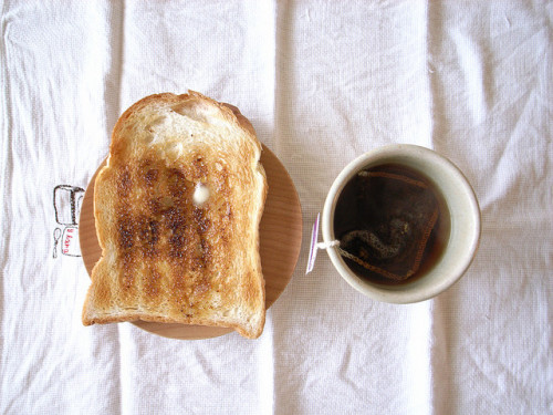 flanueres:  toastandtea by yataro1 on Flickr.