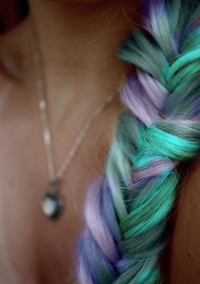 zaynmalik-and-harrystylesforever:  her braid <3