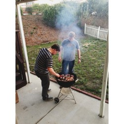 @j_waldon @matthewkylejohnson grilling up some lamb chops 🐐 (at Dunn Bungalow)