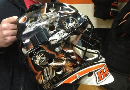 Bryzgalov's new mask is Star Wars themed!