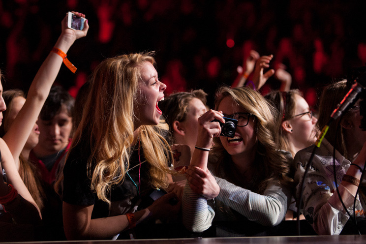 Taylor Swift fans - Prudential Center, Newark - March 27th, 2013