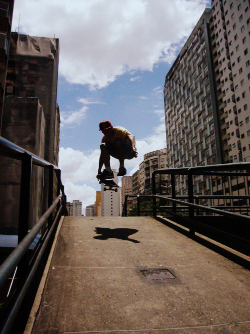 toimachine:  follow me for more skatepictures