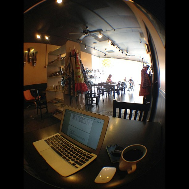 Chill vibe at this café in Ventura. #coffee #cafe #ventura  (at Simone's Coffee & Tea)